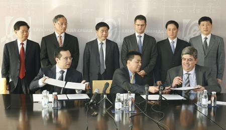 Always in the center of the great jobs: Vuk Jeremic with his Chinese partners
