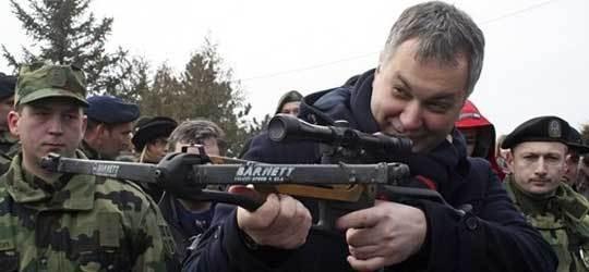 Ignorisanje zahteva roditelja stradalih: Dragan Šutanovac, bivši ministar odbrane u vreme vladavine DS-a i Borisa Tadića